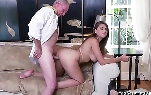 Old woman squirt and fuck my ass daddy Ivy impresses with her huge